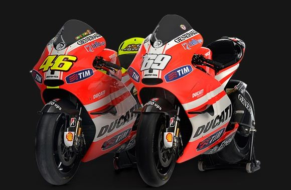 valentino rossi and nicky hayden's desmosedici bikes