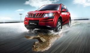 red mahindra XUV 500