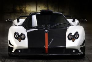 white and black Pagani Zonda Cinque front view