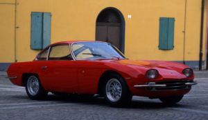 red color Lamborghini 350 GT